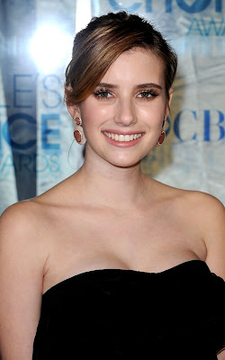 Emma Roberts at the 2011 People's Choice Awards
