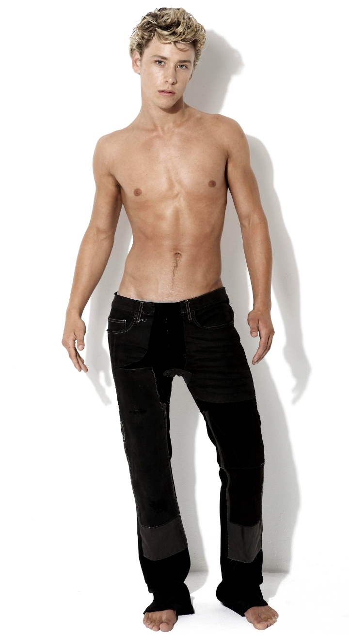 Discussion on this topic: Lana Condor, mitch-hewer-born-1989/