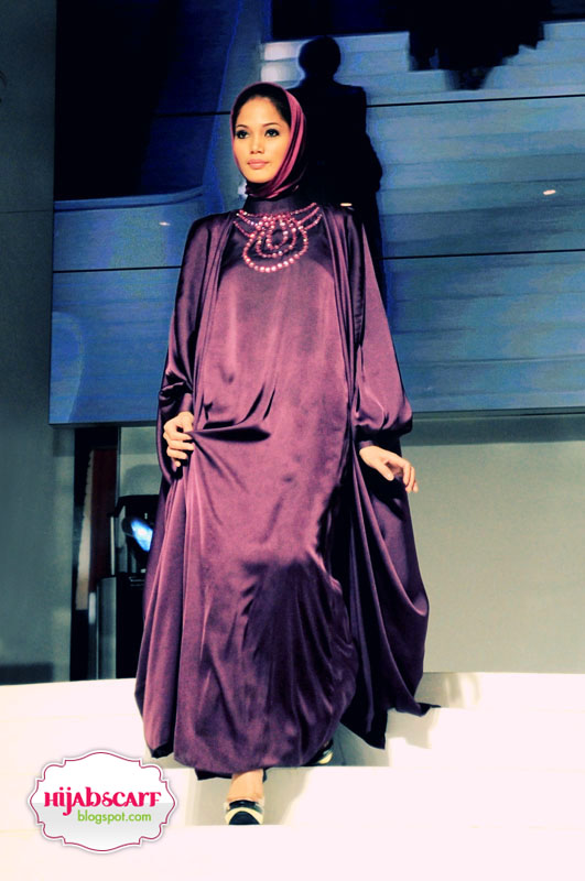 Indonesia Islamic Fashion Fair 2010 - Hijab Scarf
