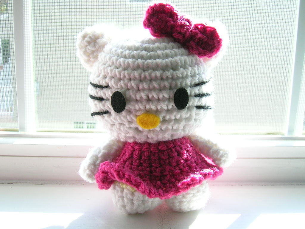 Hello Kitty Toy Knitting Pattern Free : FREE HELLO KITTY CROCHET PATTERNS   Easy Crochet Patterns
