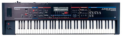 El sinteizador JUNO-STAGE: El nuevo sintetizador de Roland pensado para el escenario, muchas teclas y botones sencillos, parece antiguo pero no lo es