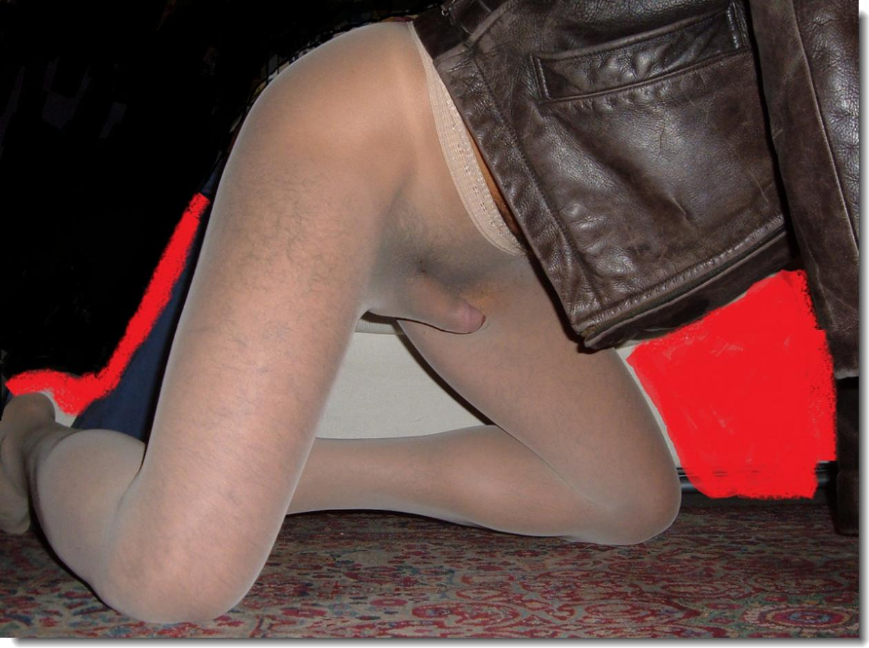 Can´t reach men in pantyhose this