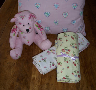 teddies and tablecloths