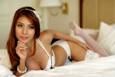 Tante Diana Pose HOT di Room Hotel