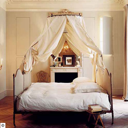 Is there anything more luxurious and dramatic than an iron canopy bed by a fireplace? I think not! & delight by design: craving canopy bed + a fireplace