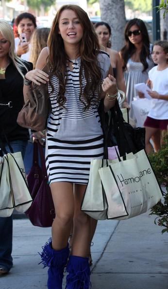 Miley Cyrus Shopping Spree: Photo 1367471   Miley Cyrus