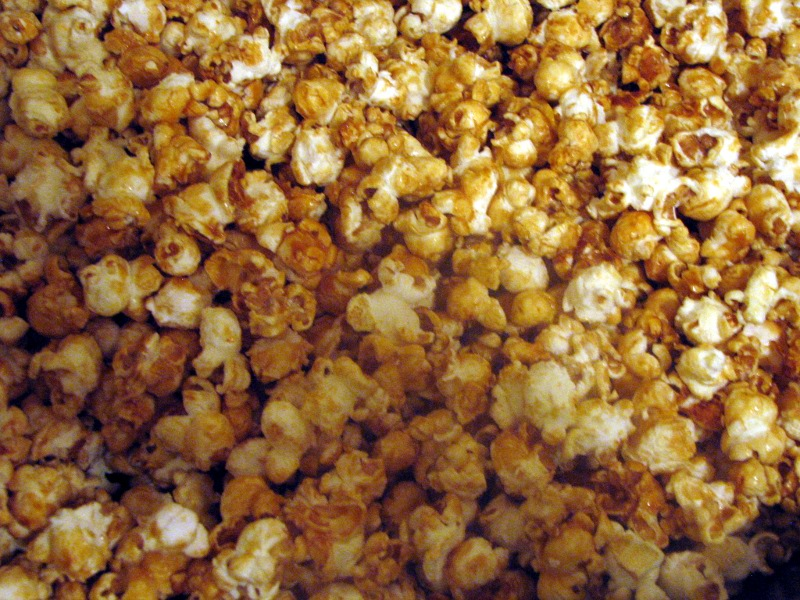 Mary Ann's House: Christmas Is Coming: Caramel Corn