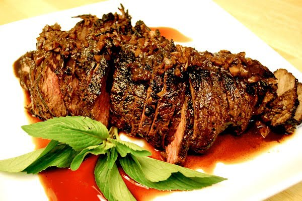 Grilled Tri Tip With Red Wine Marinade