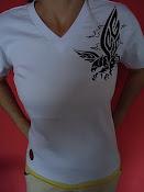 Camisa com serigrafia e modinha