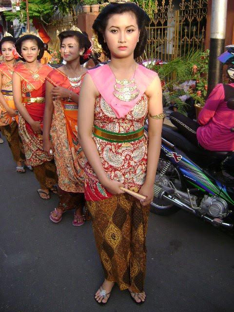 Trenggalek Jelita (Cangkrug-ane CahNdeso): April 2010 - Biografi
