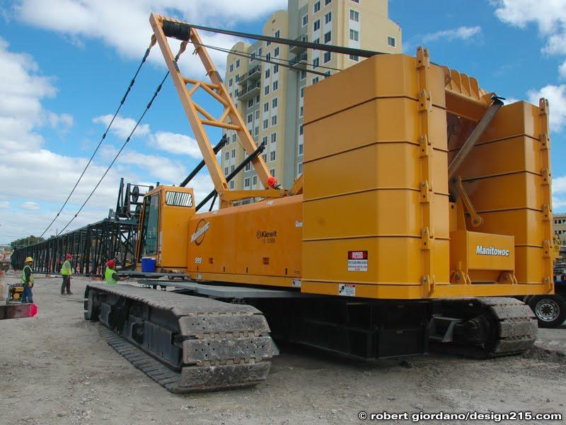 Manitowoc 999 Crawler Crane