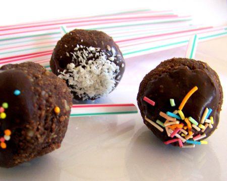 Oktay Usta Loli Pop Şeklinde Çikolatalı Toplar Tarifi Yeşil Elma