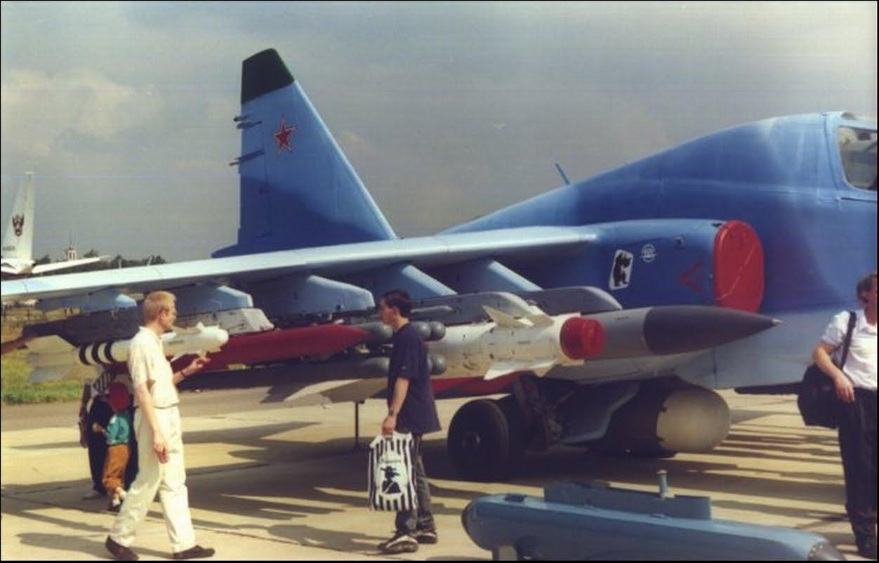 Su-39+R-73+R-77+8Vikhr+Kh-29T+Kh-58