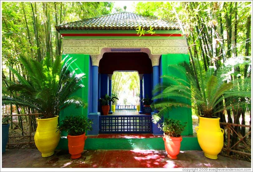 el trolley de nieves los jardines majorelle de marrakech el lugar del eterno descanso de yves. Black Bedroom Furniture Sets. Home Design Ideas