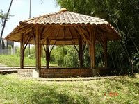 Vivienda bambu y madera agro industria for Fotos de kioscos de madera