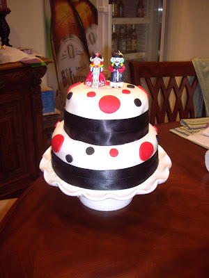 like a mini wedding cake and I love having mini wedding cakes at bridal