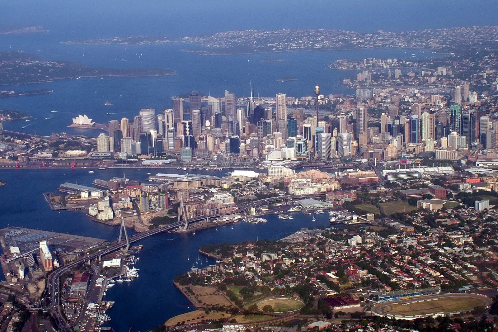 Urban Research: Skyline photos of Sydney, Australia 1
