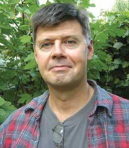 """Larry Watts: Diabolizarea României, o """"operă"""" bine lucrată şi din Est, şi din Vest"""