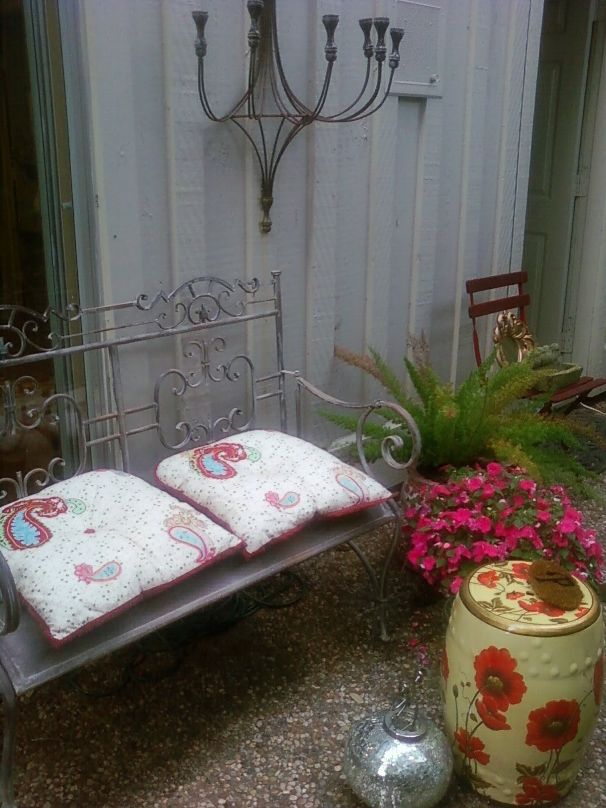 Interior spacelift is interior spacelift shabby chic for Shabby chic yard