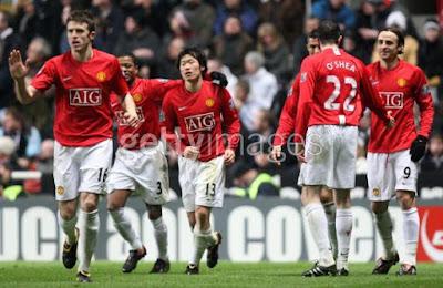 2009년 3월 4일 뉴캐슬과의 경기에서 골을 넣고 환호하는 맨유 선수들