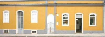 Pátio das Letras, na Rua Doutor Cândido Guerreiro, 30, em Faro