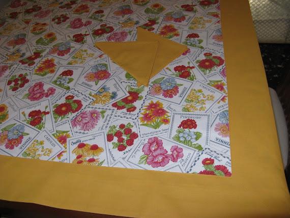 Tovaglia floreale + 4 tovaglioli