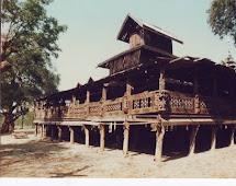 Myanmar mandalay Gold Temple