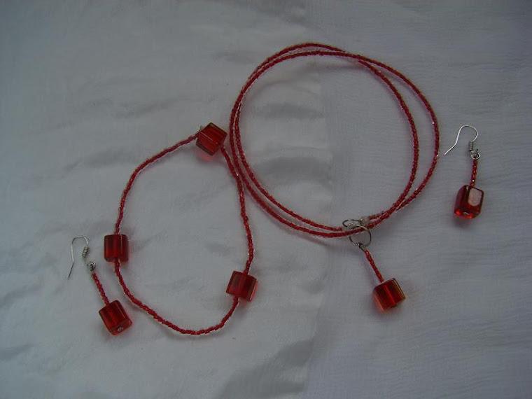 Set -colier, bratara, cercei rosu B08 -40 ron