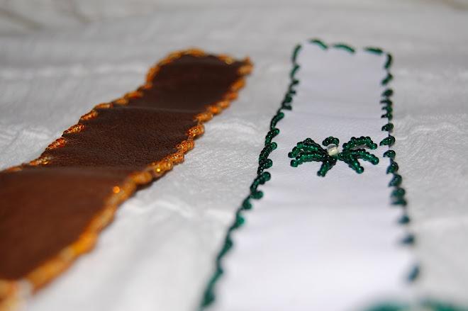 Semne de carte din piele cu aplicatii de margele- 15 Ron bucata