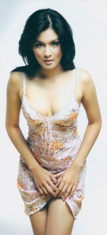 Sandra Dewi - Gallery Photo Colection