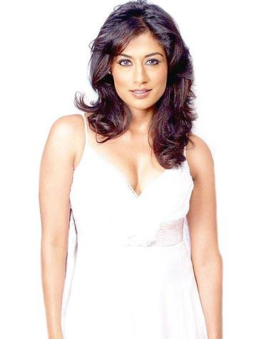 Chitrangda Singh in Yeh Saali Zindagi