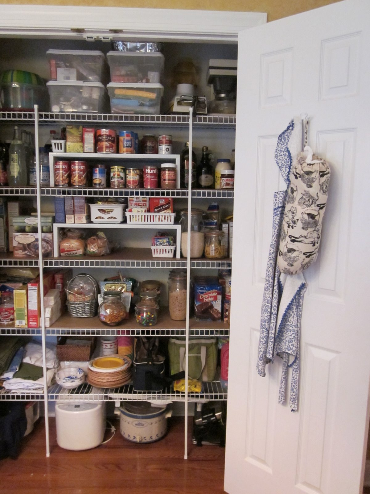 Diy design fanatic no cost pantry transformation for Cost to build a pantry