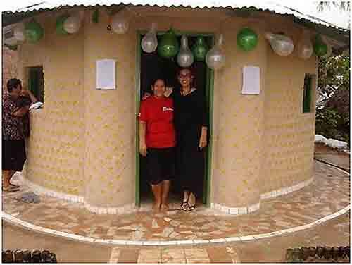 Casas fabricadas con Botellas Plasticas