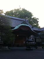 商店街に入口があった神社。