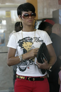 Female Celebrity Hair Style With Black Short Hair Cut With Image Rihanna's Short Hairstyle Gallery Picture 1