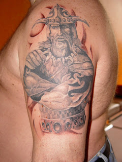 Tatto Idea on Amazing Art Of Tattoo  Shoulder Tattoo Ideas With Viking Tattoo