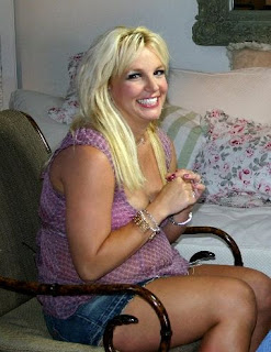 Britney Spears Pregnant still sexy with photos