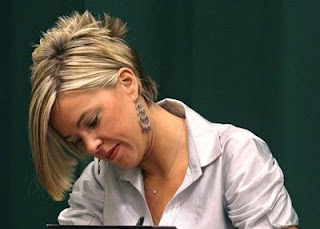 Kate Gosselin Hairstyle Picture 7