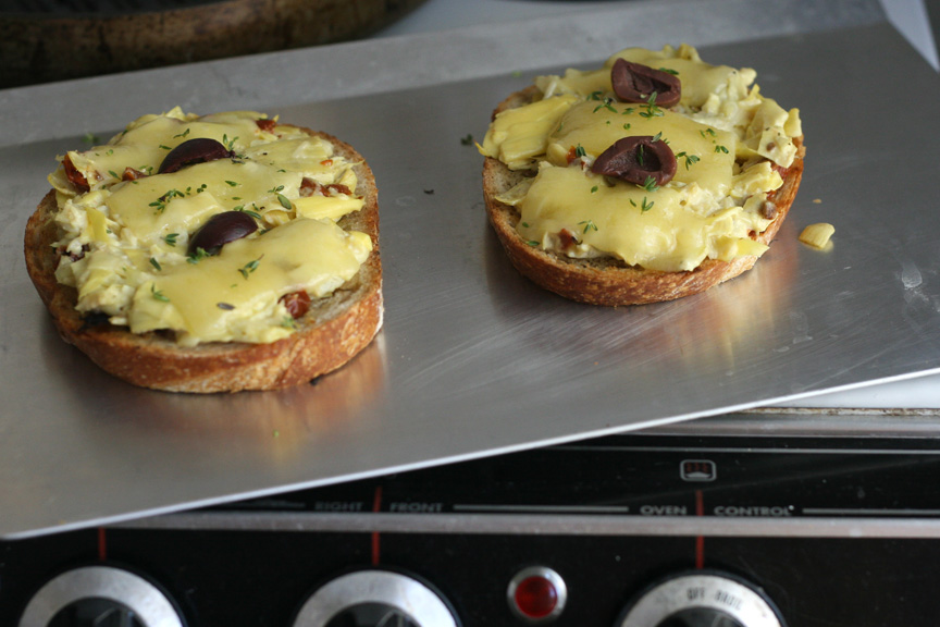 ... sun-dried tomato, kalamata olives, and a thyme garlic compound butter