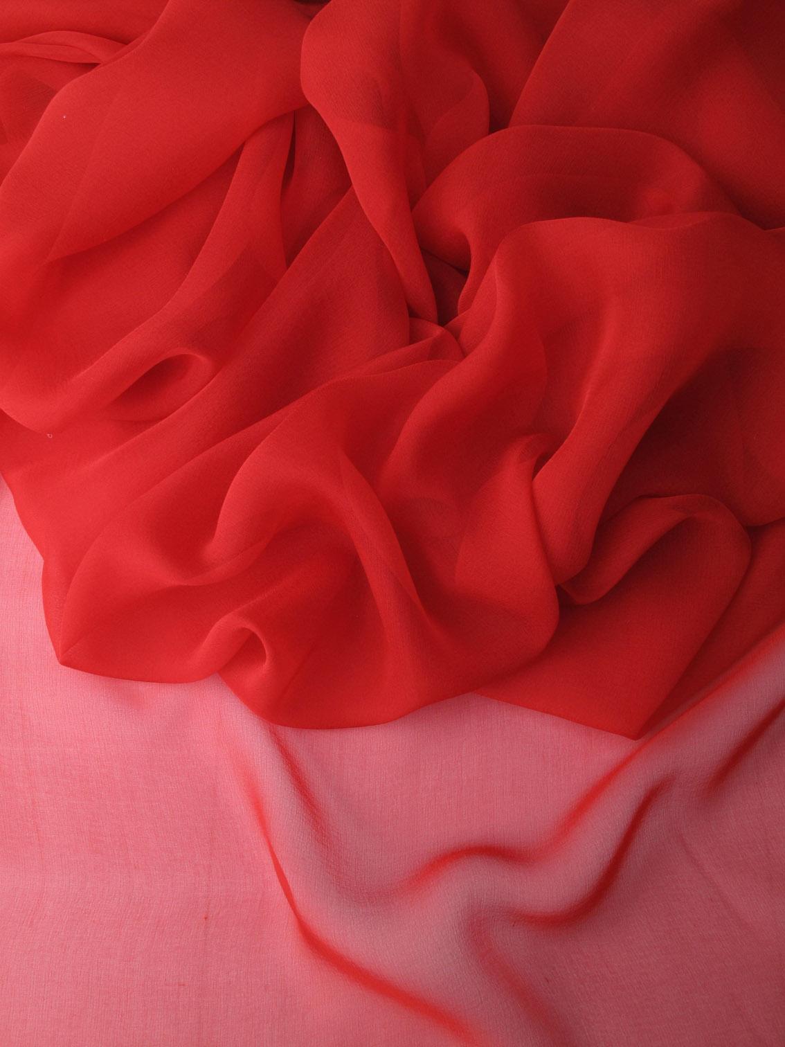 les nouveaut s au jour le jour chez stragier mousseline de soie unie rouge. Black Bedroom Furniture Sets. Home Design Ideas