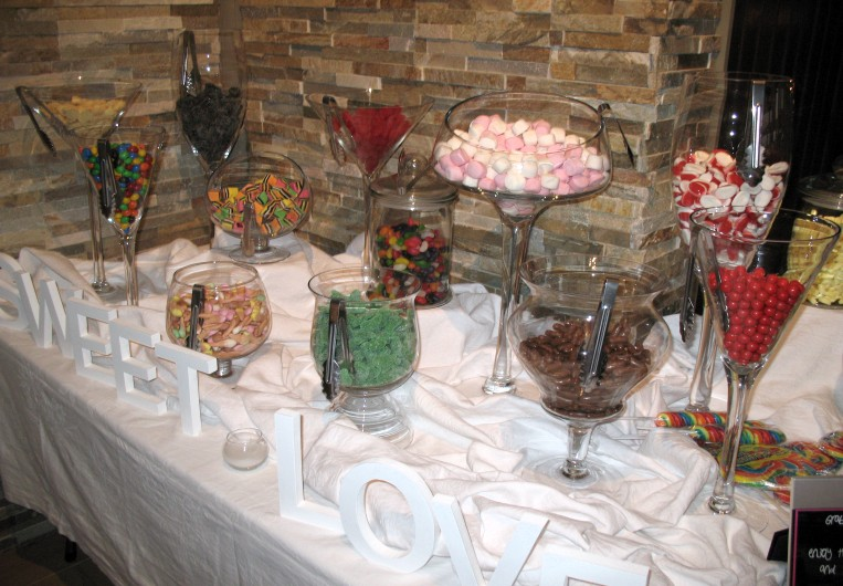 candy buffet wedding. images candy bars in wedding