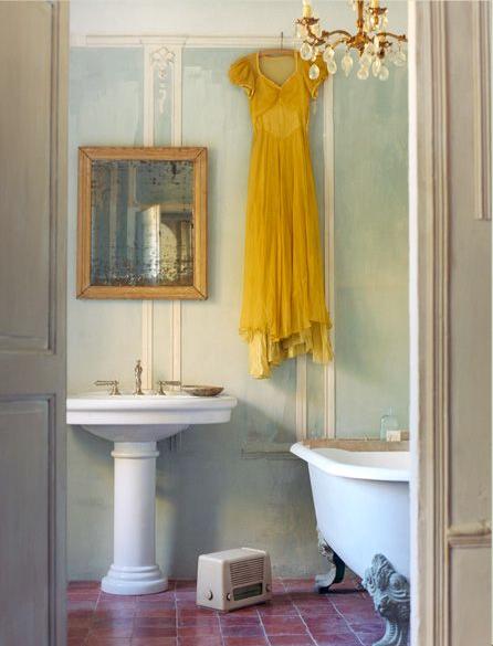 [hanging+yellow+dress]