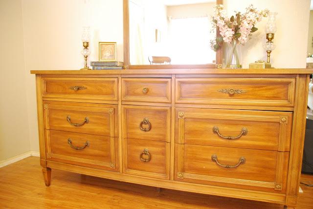 Furniture for sale 1967 vintage thomasville bedroom furniture for Thomasville living room furniture sale
