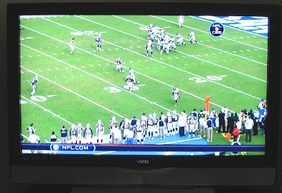 Vizio LCD TV 42-inch working fine with the Verizon FIOS IMG (Interactive Media Guide) at 720p resolution with Motorola's QUIP6416-2 HD DVR