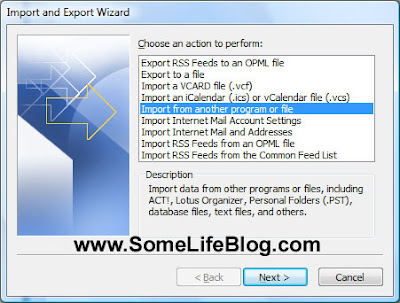 Synchronize contacts from RAZR V3 via Microsoft Import and Export Wizard