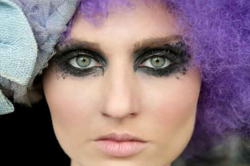 emo makeup games. elizabethan makeup. Emo Eye