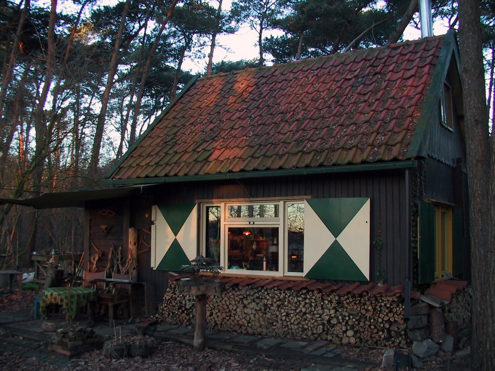 Piet schellekens 17 het huisje van ad fontis deel 1 for Klein huisje in bos te koop