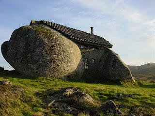 Ideiass-decoração-mobiliário | casa de pedra na montanha