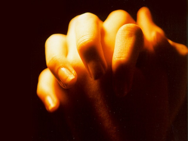 [hands+folded+in+prayer-799927.jpg]