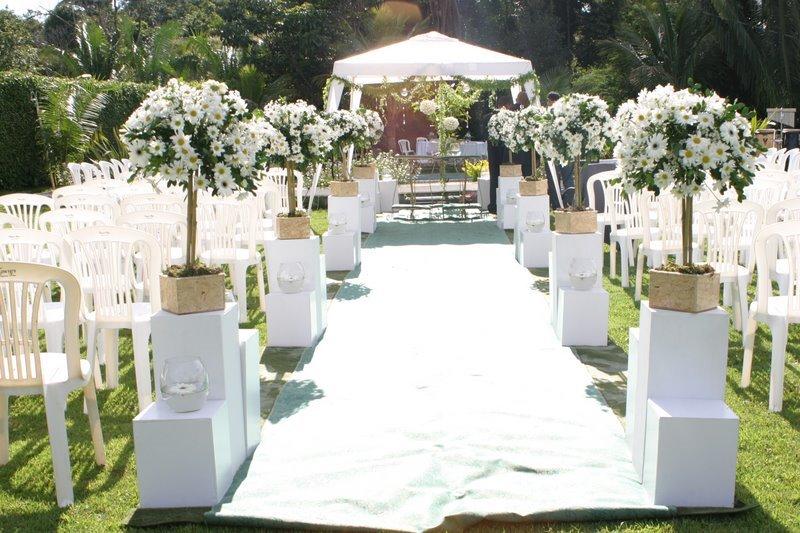 decoracao de casamento em sitio a noite:Cerimonia o local é simples e bonito quero tipo assim